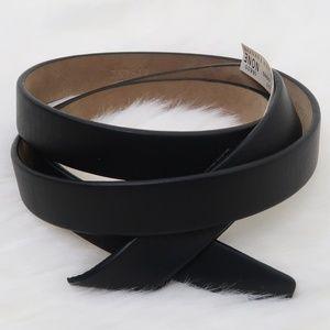 "Ann Taylor Black Leather Waist Belt 43"""
